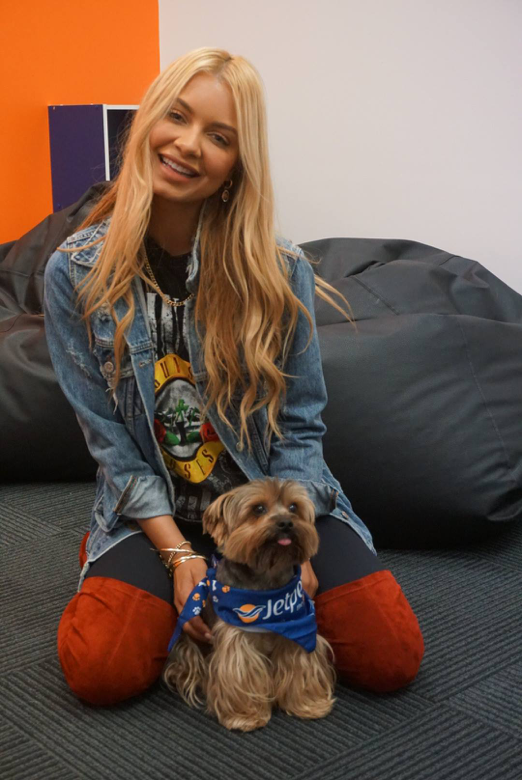 Celebrity Moves | Jetpets | Havana Brown | International Pet Transport